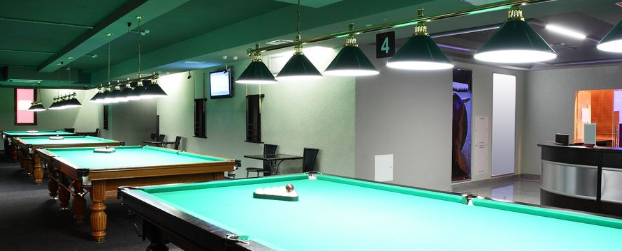 luminaire standard pour salle de billard. Black Bedroom Furniture Sets. Home Design Ideas